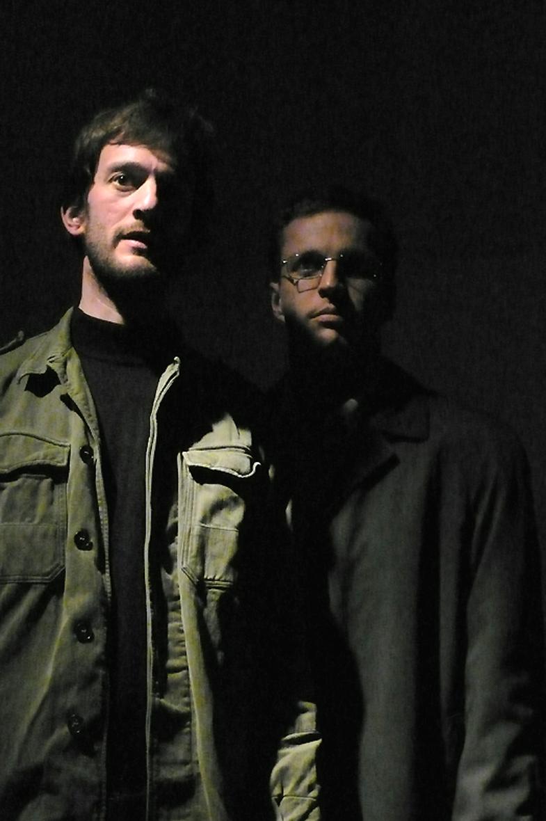 Marc Pastor et Julien Guill dans Diktat d'Enzo Corman