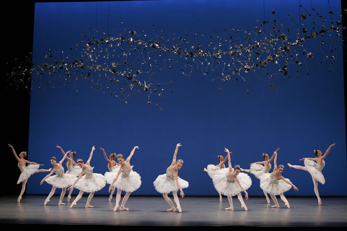 Diamant, fait revivre toute la magnificence du ballet impérial russe, les frémissements de la modernité en moins
