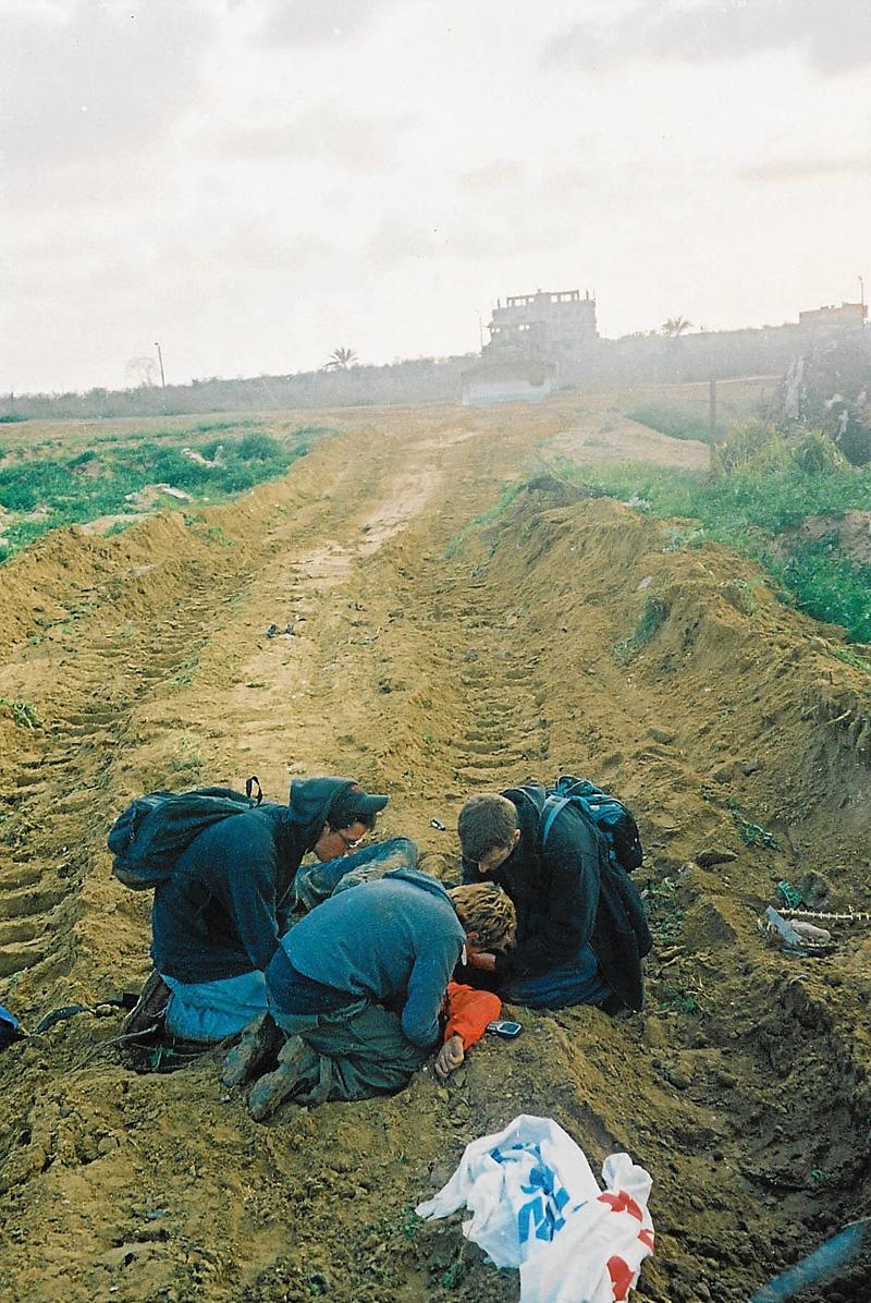 L'un des bulldozers ne s'est pas arrêté. Photo DR