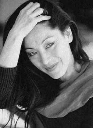 Ysabelle Lacamp : Un auteur est quelqu'un qui s'engage à travers l'écrit. Cela suffit-il pour garder le silence?