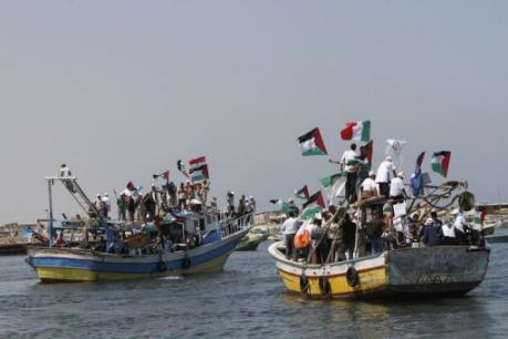 Port de Gaza : des-bateaux-de-peche-palestiniens-attendent-la-flotille-de-la-liberté