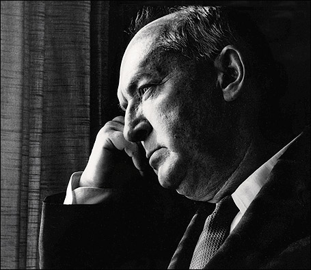 nabokov-1899-1977-photo-roger-viollet