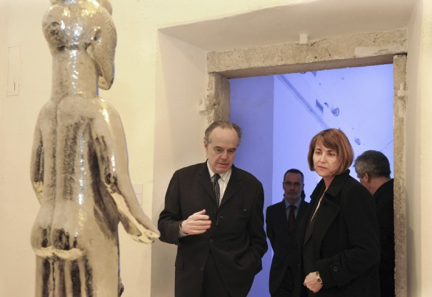1-france-s-culture-minister-albanel-speaks-with-villa-medici-director-mitterrand-at-the-french-academy-in-rome_320