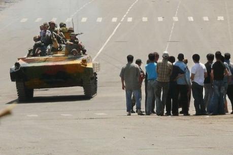 Kirghizistan l'armée autorisée à tirer à vue