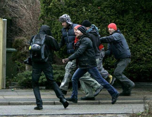 La police en civile sur tous les fronts