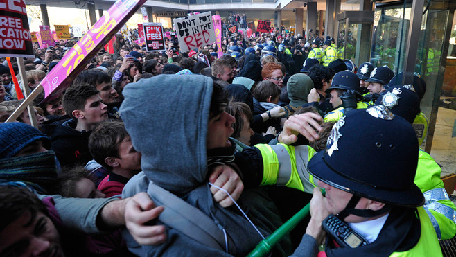 incidents-lors-de-la-manifestation-etudiants-a-londres