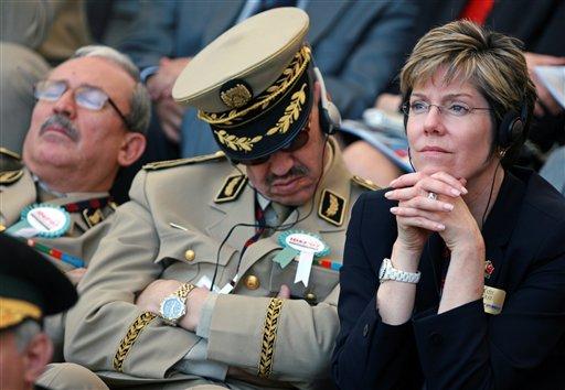 ouverture du salon de la défense en présence des représentants des cie étrangères. AP Photo/Burhan Ozbilici.