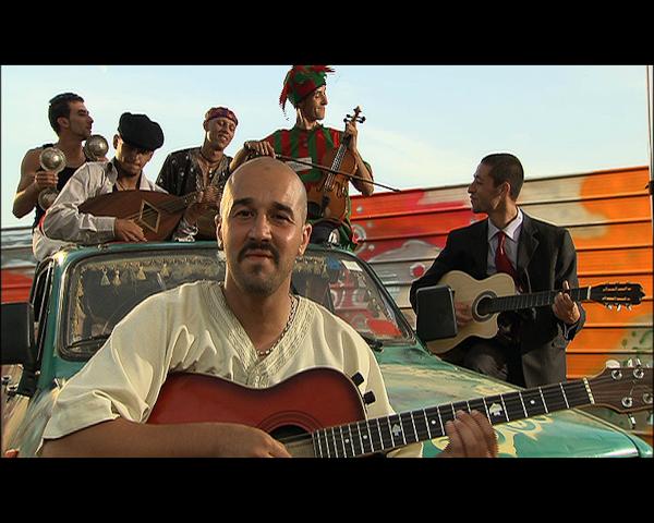 La Place, première comédie musicale algérienne réalisée par Dahmane Ouzid