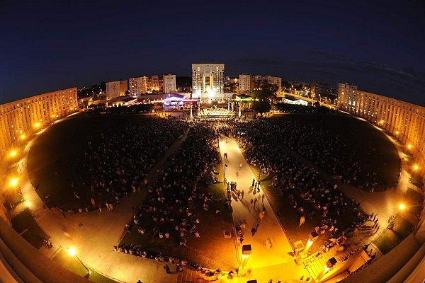 Montpellier retro 2011 la culture au c ur du politique - Piscine place de l europe montpellier ...