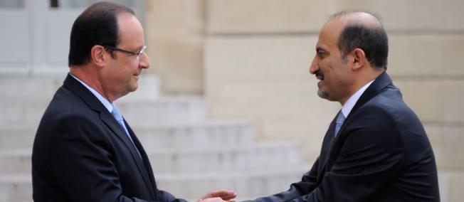 François Hollande recevant Ahmad Jarbar, chef de la Coalition nationale syrienne, le 24 juillet à l'Élysée. Photo Sipa