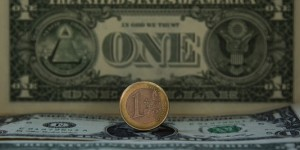 Le traité transatlantique TAFTA vise à établir une zone de libre-échange entre l'Union européenne et les Etats-Unis, créant un gigantesque marché de plus de 800 millions de consommateurs. Le traité transatlantique TAFTA vise à établir une zone de libre-échange entre l'Union européenne et les Etats-Unis, créant un gigantesque marché de plus de 800 millions de consommateurs. | REUTERS/© Sergio Perez / Reuters