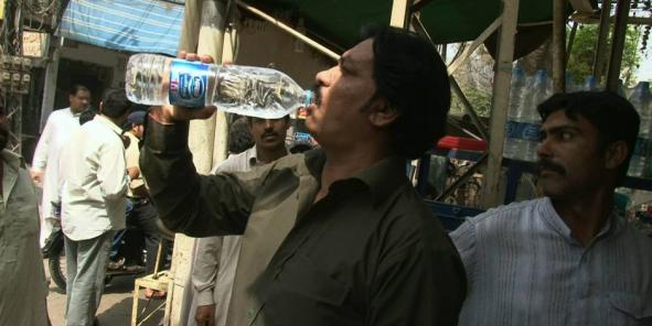 """""""Pure Life"""", la nouvelle marque d'eau de Nestlé a une croissance à deux chiffres. (Crédits : DR)"""