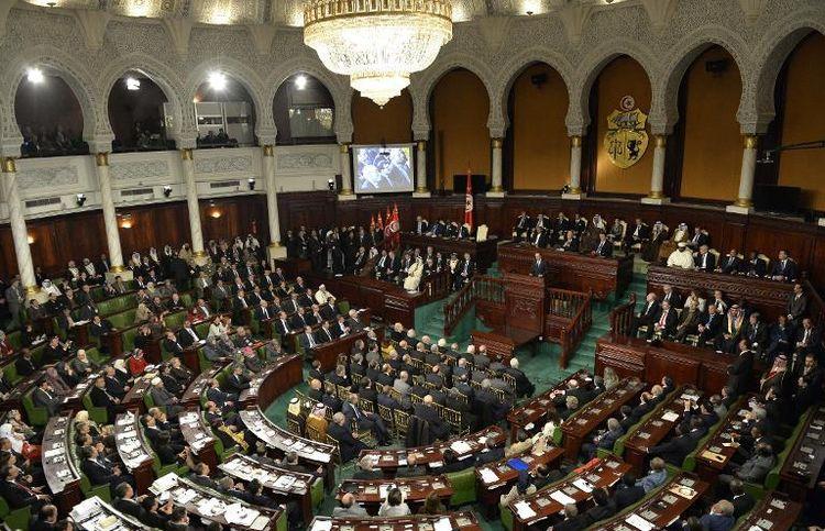 618192-seance-speciale-a-l-assemblee-nationale-tunisienne-le-7-fevrier-2014-en-presence-de-chefs-d-etat-etr
