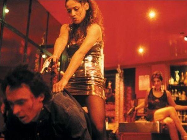 Baise-moi est un film français réalisé par Virginie Despentes et Coralie Trinh Thi
