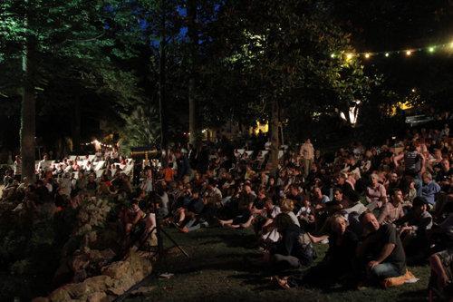 La poésie en liberté dans l'espace public sétois. Photo dr