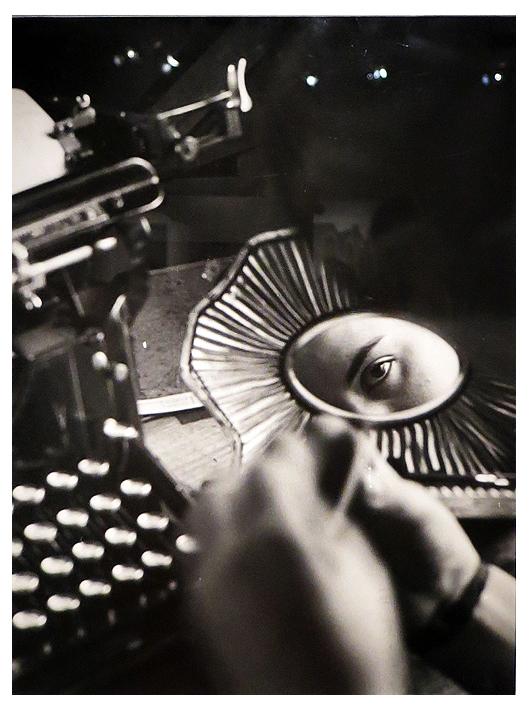 Présence du photographe dans le regard de son modèle. photo dr