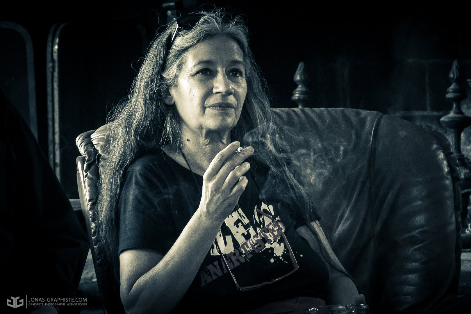 Sylvie  la présidente des Anartistes