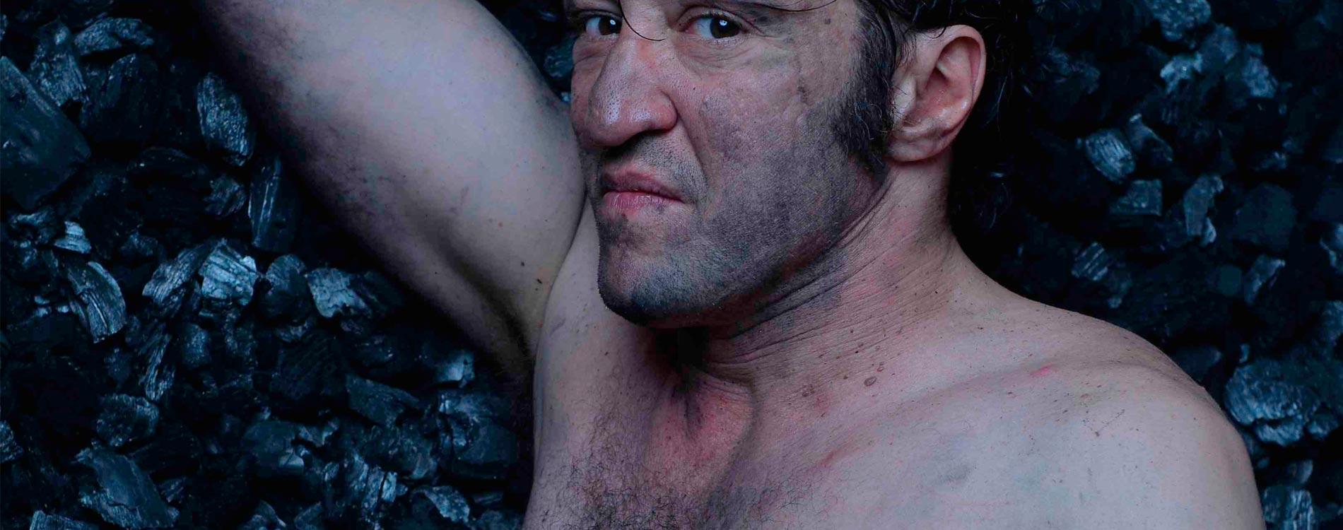 Alex Selmane le visage charbonné et le souffle fort. Photo dr
