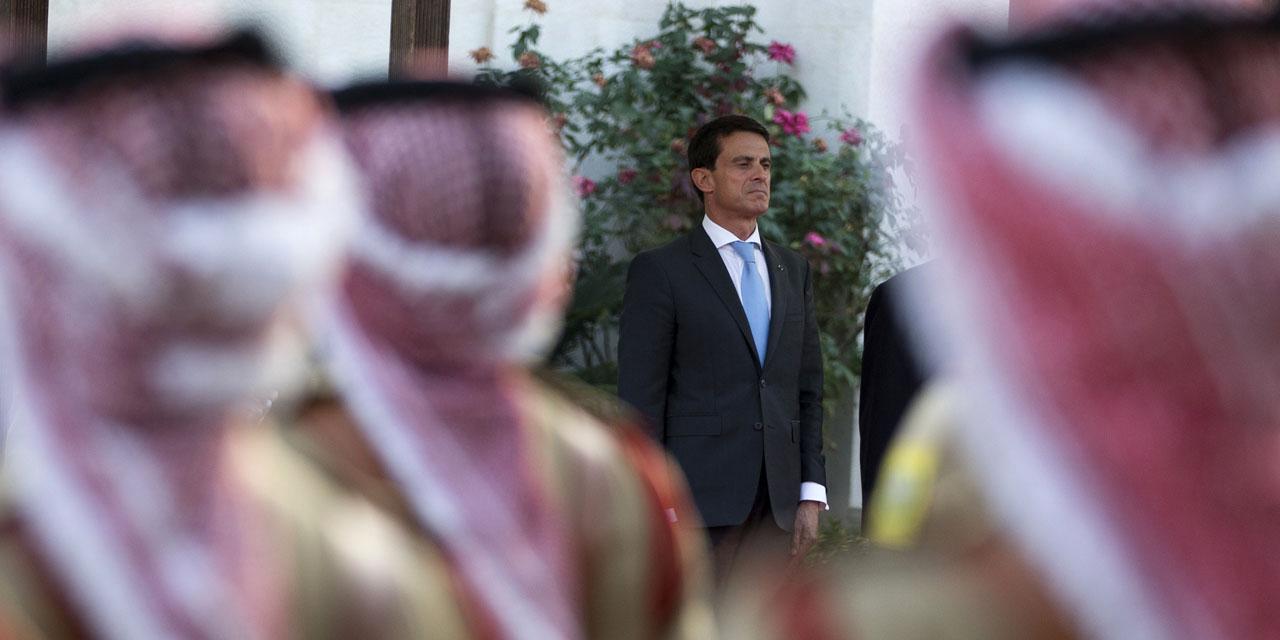 Il est temps de restreindre les déplacements de Valls en Arabie Saoudite (même pour les gros contrats) sinon c'est le retour assuré des décapitations en 2016