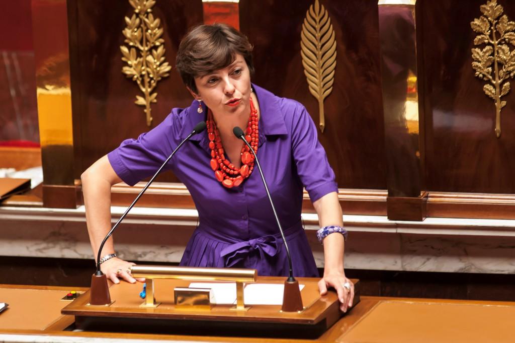 Carole Delga, présidente de la Région LRMP à la tribune de l'Assemblée Nationale
