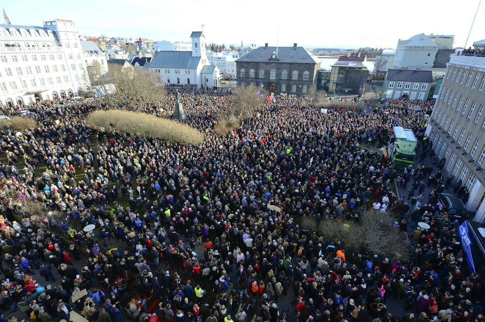 Des milliers d'Islandais se sont réunis à Reykjavik pour demander la démission du Premier ministre, cité dans les Panama Papers. Photo Stringer. Reuters