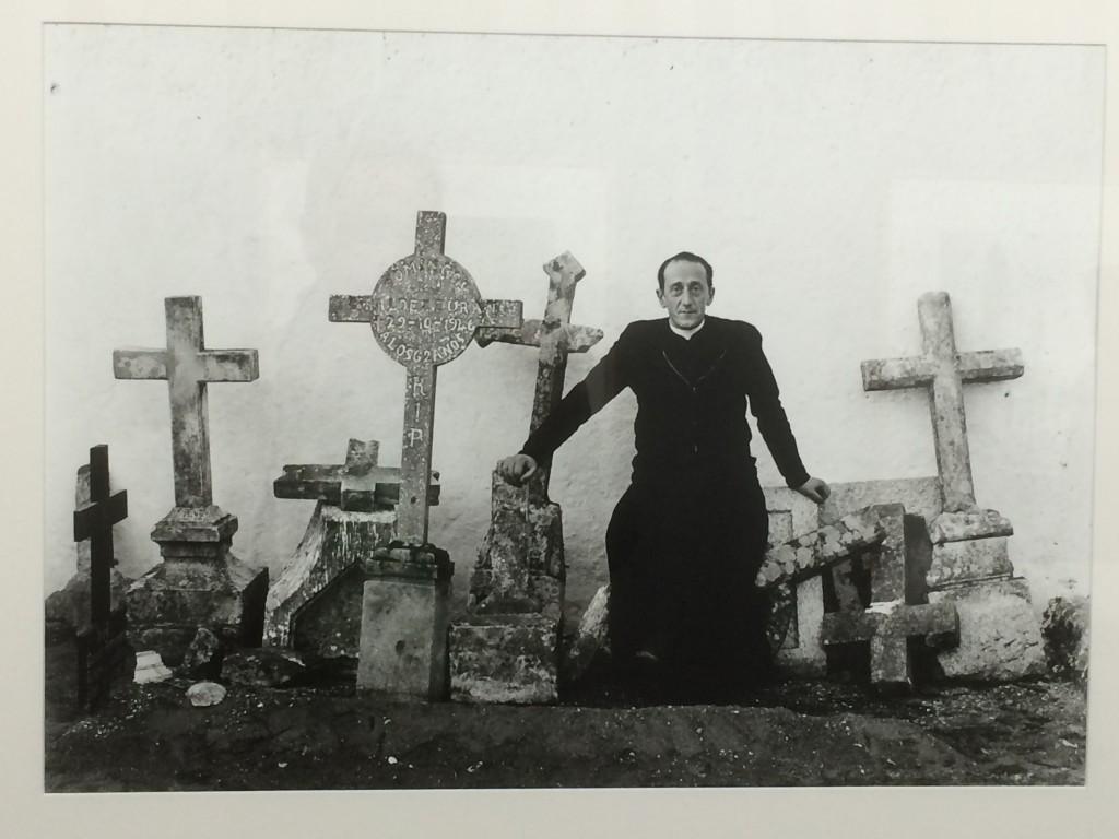 Ricard Terré Il fut membre du groupe AFAL qui, sous le franquisme, réunit pendant quelques temps les plus intéressants des photographes espagnols, ceux qui, malgré l'isolement qui leur était imposé, menaient à la fois une réflexion de fond et développaient une recherche plastique.