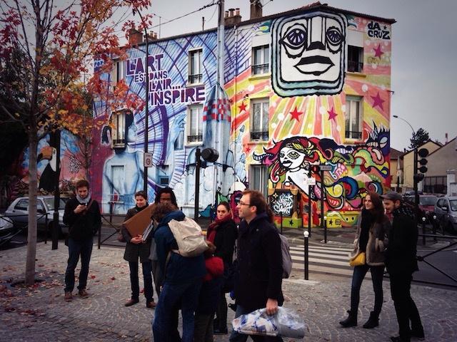 Visite street art avec l'association Vitry'n Urbaine à Vitry / © Steve Stillman