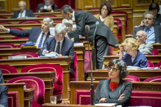 """Myriam El Khomri au Sénat, pendant l'examen de la loi travail, le 13 juin Myriam El Khomri au Sénat, pendant l'examen de la loi travail, le 13 juin JEAN-CLAUDE COUTAUSSE/FRENCH POLITICS POUR """"LE MONDE"""""""