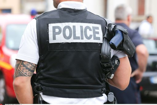 Un policier• Crédits : Tardivon JC - Sipa