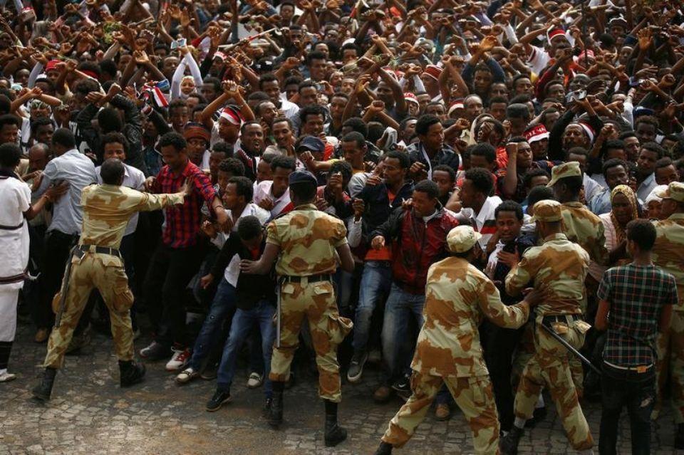 Le 2 octobre, à Bishoftu , lors du festival Irrecha, principale manifestation culturelle annuelle pour les Oromo, une bousculade aurait fait au moins 52 morts. © Tiksa Negeri / Reuters
