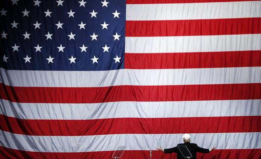 5029937_6_2f28_donald-trump-devant-le-drapeau-americain-le-6_44fab05704a5577a187bf7ed22780b36