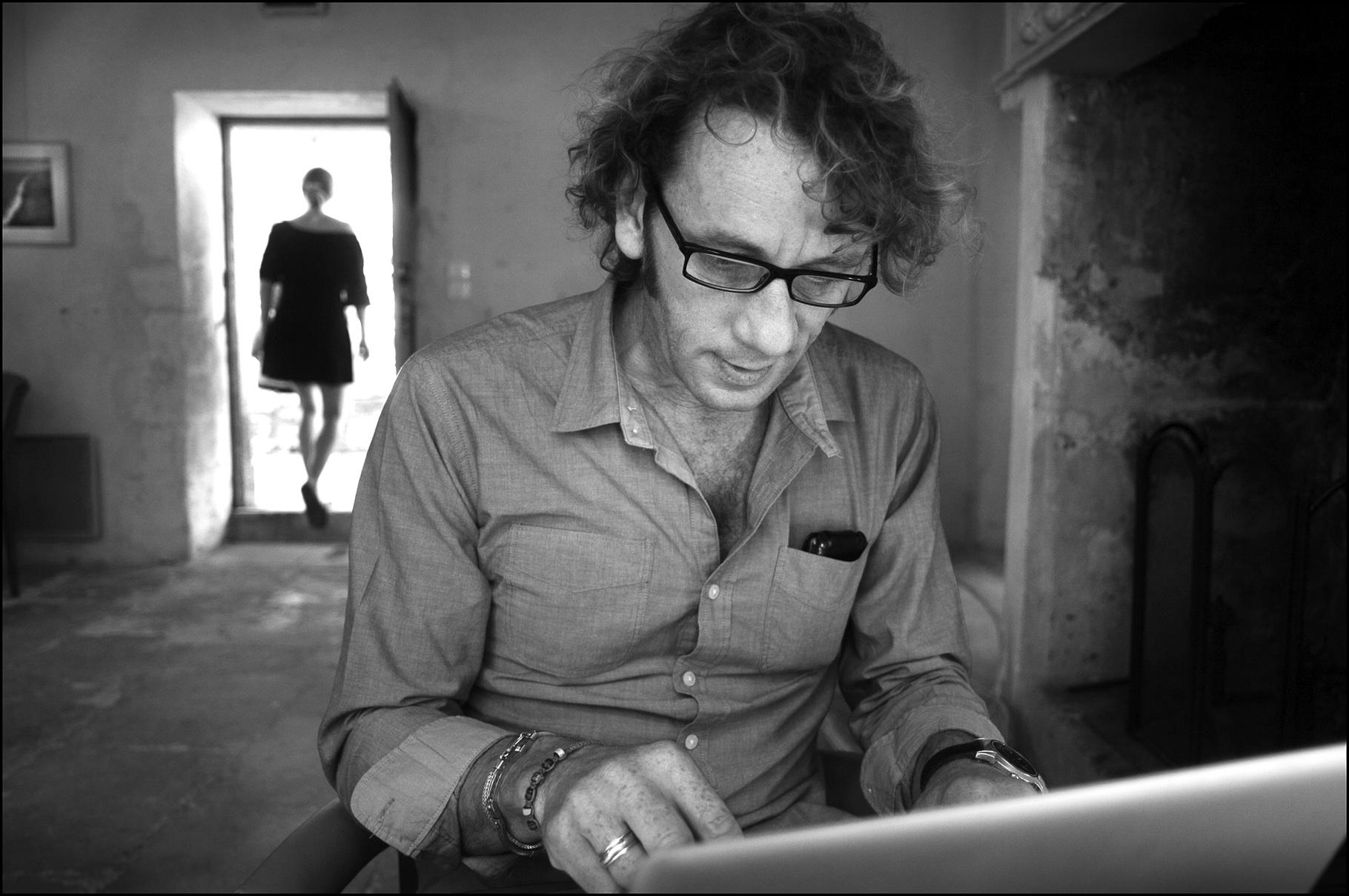 Rémi Checchetto associe ses écrits à une pluralité d'expressions.  Photo dr