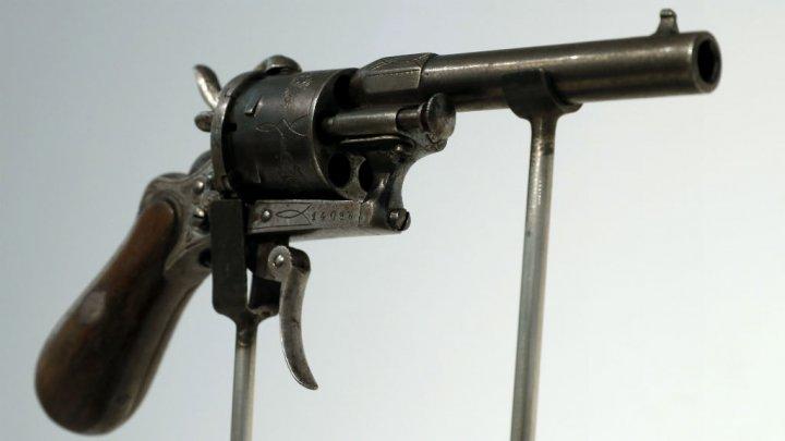 © Thomas Samson, AFP | Paul Verlaine avait acheté le revolver le matin même de l'incident chez un armurier bruxellois, avec une boîte de 50 cartouches.