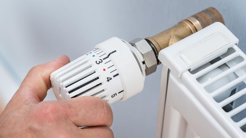 «Selon les chiffres du dernier baromètre Énergie-Info, 33% des Français se sont privés de chauffage au cours de l'hiver 2015-2016, pourtant clément, afin d'éviter de payer des factures trop élevées», précise le médiateur national de l'énergie.