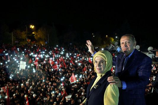 5112483_6_c254_le-president-turque-recep-tayyip-erdogan-et_0cdd2220aed6bf65a87fec1892197b4b