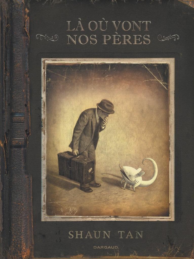 Prix du meilleur album au festival d'Angoulême 2008, Là où vont nos pères est un album inclassable, qui parle de l'émigration avec une poésie et une délicatesse incomparable.