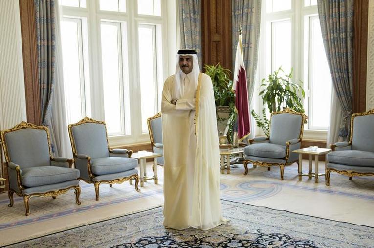 L'émir du Qatar, Cheikh Tamim bin Hamad Al-Thani, dans le palais royal, le 3 août 2015, à Doha. PHOTO / BRENDAN SMIALOWSKI / REUTERS