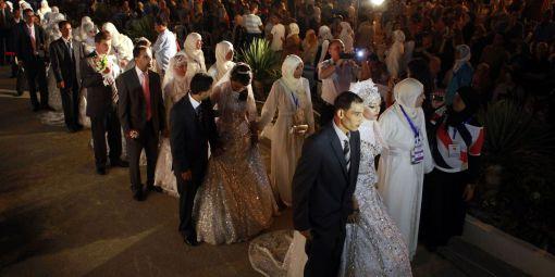 Un mariage collectif célébré à Tunis en septembre 2012. © Zoubeir Suissi / Reuters