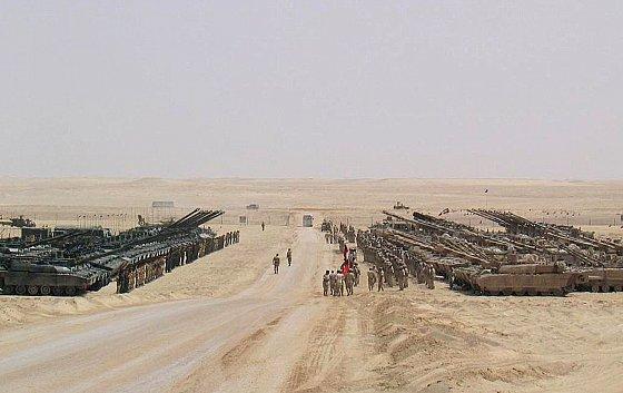 Chars Leclerc français vendus aux Émirats arabes unis et utilisés dans l'offensive terrestre au Yémen. leclerc.fr