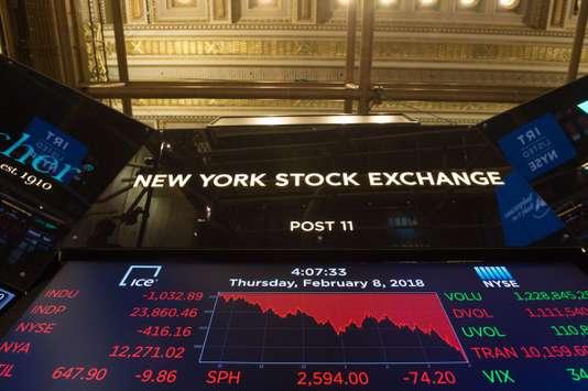 La Bourse de New York a terminé, jeudi, sur une forte baisse de 4,15 %. La Bourse de New York a terminé, jeudi, sur une forte baisse de 4,15 %. Bryan R. Smith / AFP