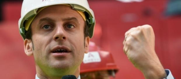 Macron dans le champ social qui est forcément violent politiquement