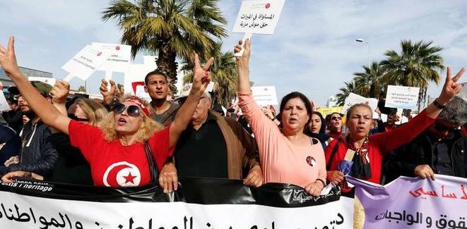 Marche pour l'égalité entre les femmes et les hommes à Tunis, en mars 2018; © Reuters