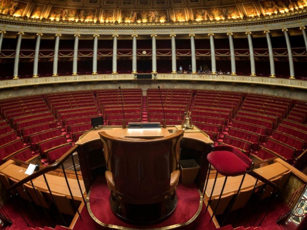 L'Assemblée nationale . La prise en compte du vote blanc, une dose de proportionnelle ou la limitation du cumul des mandats dans le temps pourraient faire l'objet d'un référendum AFP/Archives - JOEL SAGET